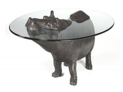 Бегемоты, выныривающие из кофейных столиков