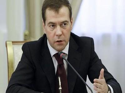 Медведев приказал выделить деньги искусствоведческим вузам