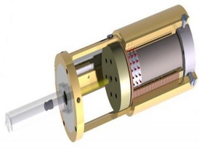 Шприц впрыскивает лекарство со скоростью света