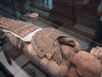В Египте посреди пустыни нашли сокровища, которые были украдены во время народного восстания в начале 2011 г