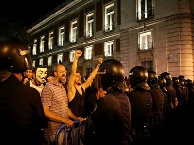 Испанские шахтеры подрались с полицией