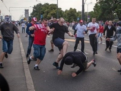 Бойня фанатов Полши и России