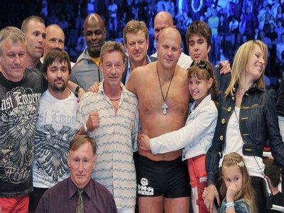 Боец Федор Емельяненко из России официально подтвердил завершение спортивну ...