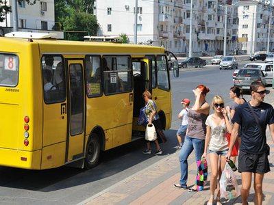 В Харькове осудили водителя, который заставил выйти льготницу из автобуса