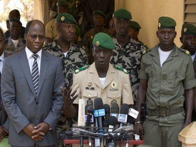 В Мали победили две революции