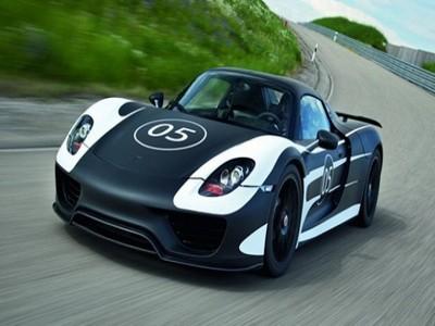 Porsche начала проводить дорожные тесты суперкара 918 Spyder